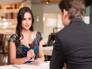 comment se faire inviter par une fille femme